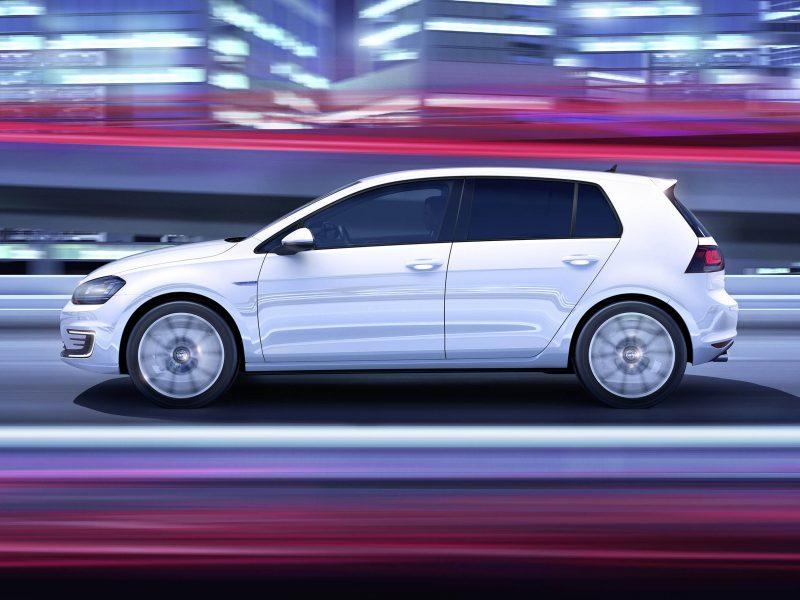 Volkswagen Golf GTE GTE Connected Series 1.4 TSI 150kW/204pk bij Van Mossel Voorraad