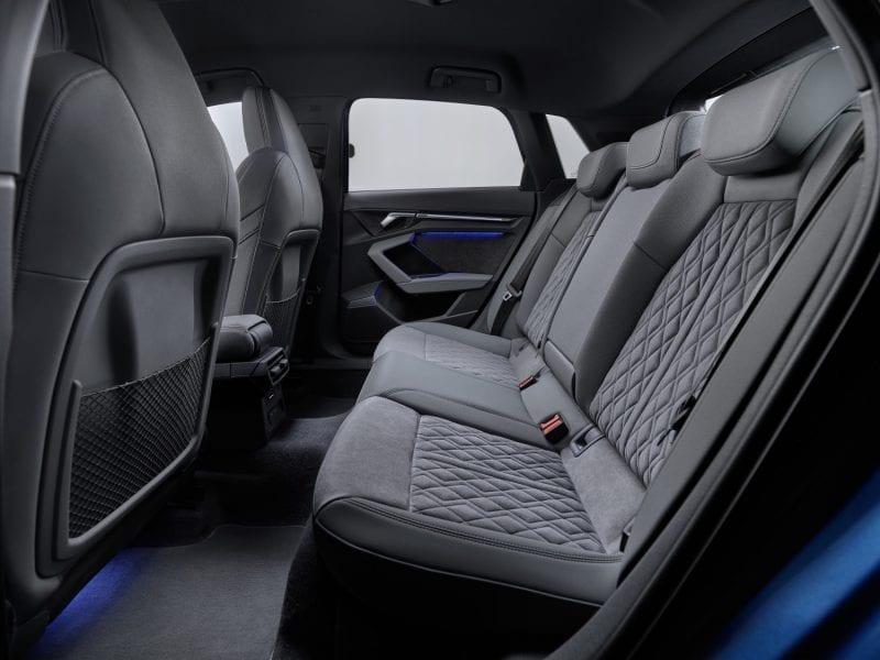 Audi A3 Sportback Business edition 30 TFSI 81 kW (110 pk) bij Van Mossel Voorraad