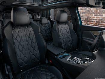 Peugeot 5008 SUV GT PureTech 130PK bij Van Mossel Voorraad