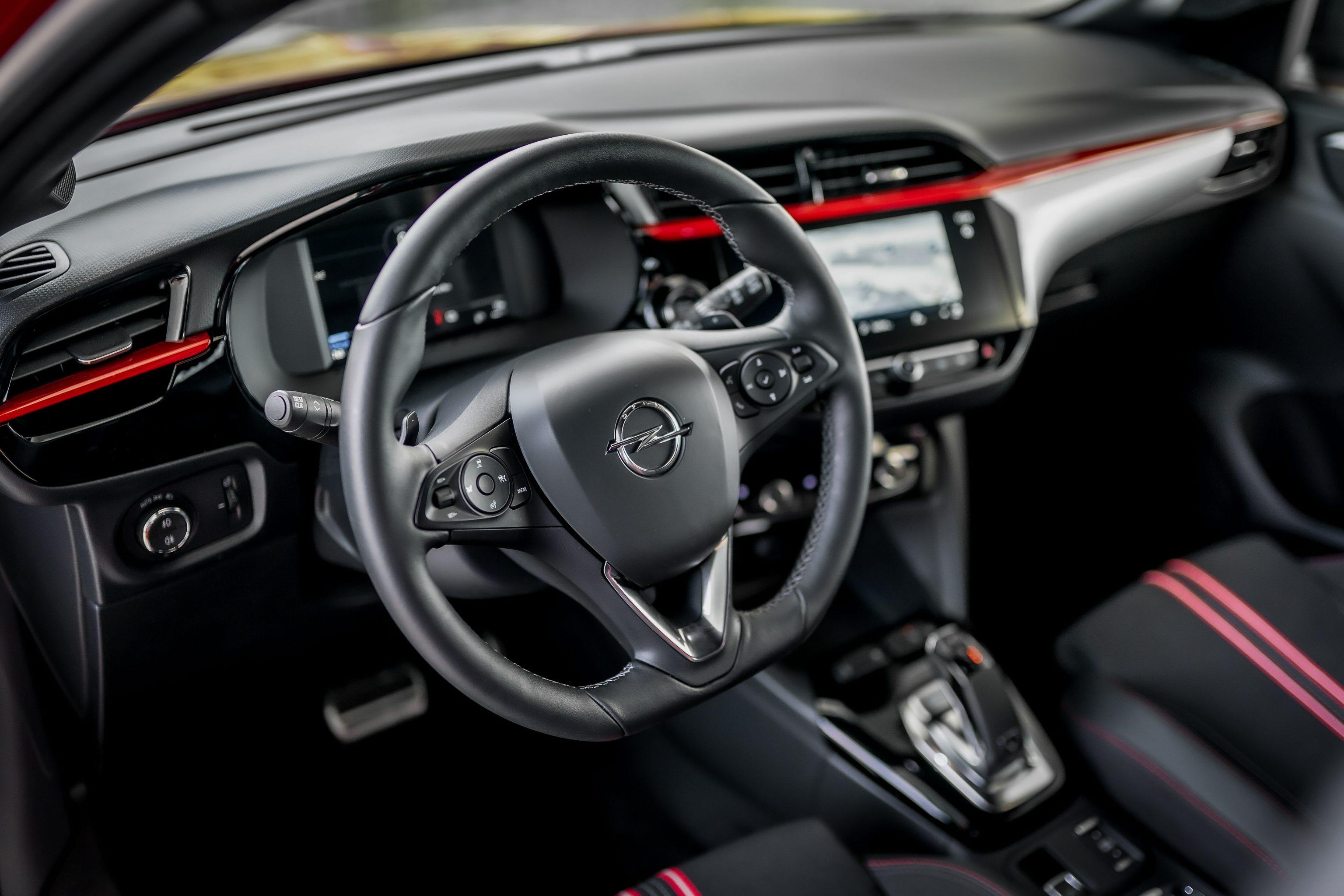 Opel Corsa 1.2 5D Edition bij Van Mossel Voorraad