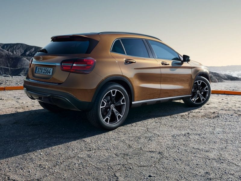 Mercedes-Benz GLA 180 Business Solution Plus bij Van Mossel Voorraad