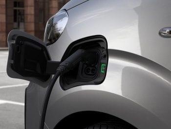 Peugeot E-Expert Pro - 50 kWH Compact bij Van Mossel Voorraad
