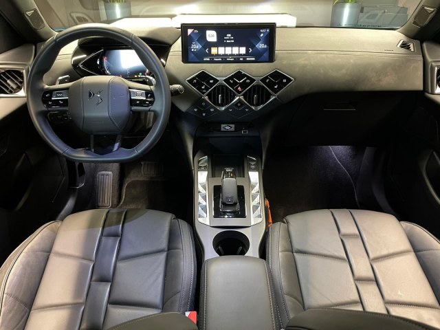 DS DS 3 Crossback 130PK Grand Chic   Automaat   Focal Electra   Opera leer